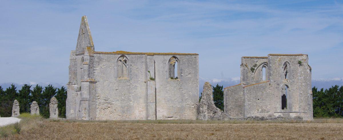 la-flotte-abbaye-des-chateliers-cmt17-a-birard-1