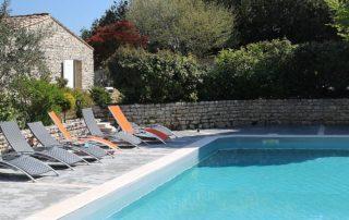 location-appartement-la-flotte-en-re-piscine